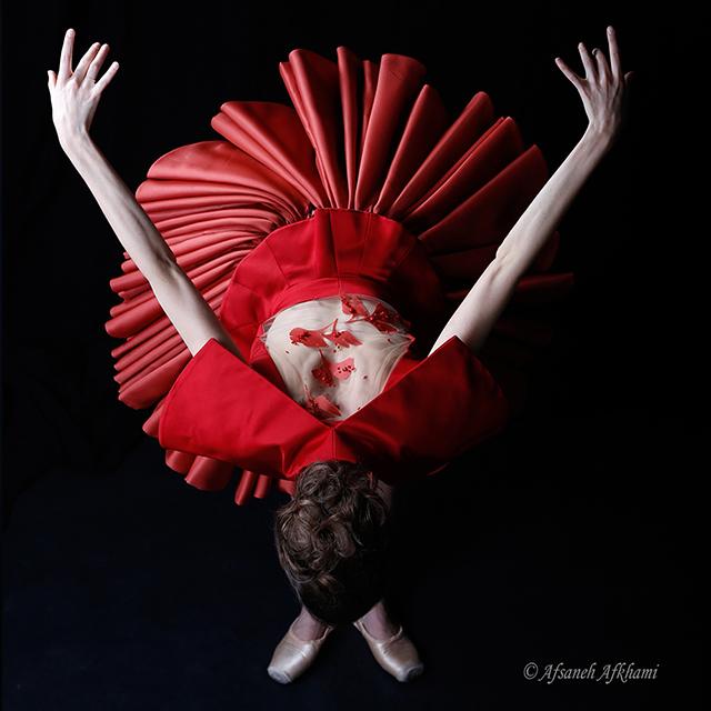 2-Fanny-Gorse-danseuse-de-lOpéra-Garnier-Photographe-Afsaneh-Afkhami-Couturier-Jean-Doucet-coifeur-Maquilleur-Emile-pour-Angel-Studio
